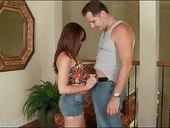 Izzi Ryder gives blowjob hither crestfallen jeans