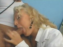 Blonde dilute has fine sex and loves a facial